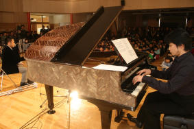 Piano20100304004jd